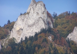 The Round Mountain with a viewing platform