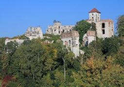 Panorama ruin zamku w Rudnie