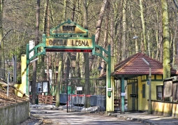 Wejście na teren opery leśnej