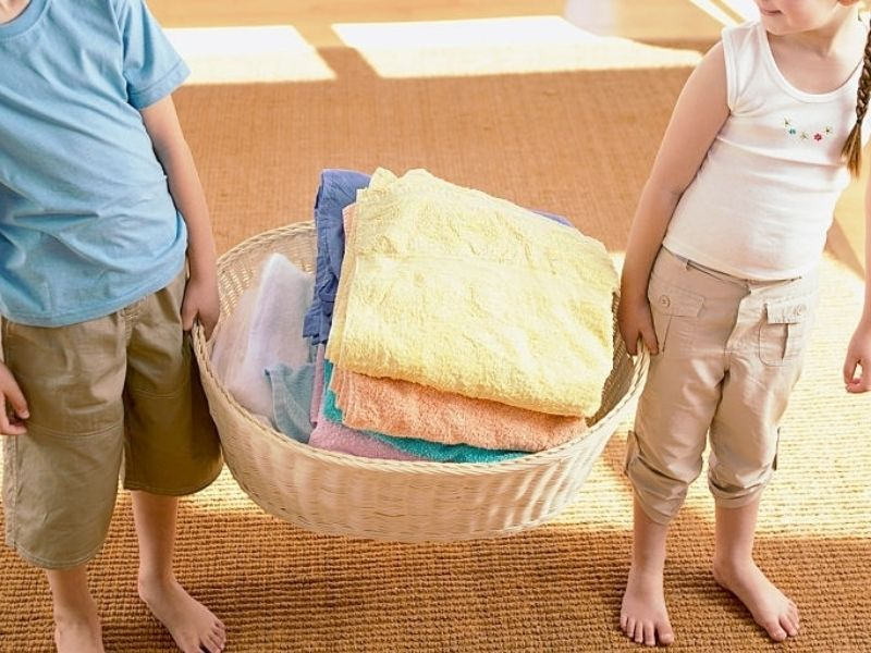 How to assign age appropriate chores for kids to help around the house