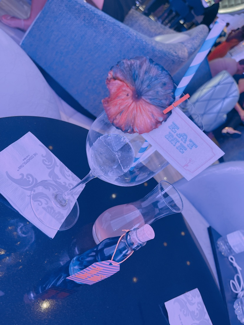 拉斯维加斯|最美水晶灯酒吧🍹竟然有变色酒 图3